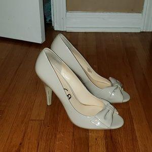 peep toe pumps